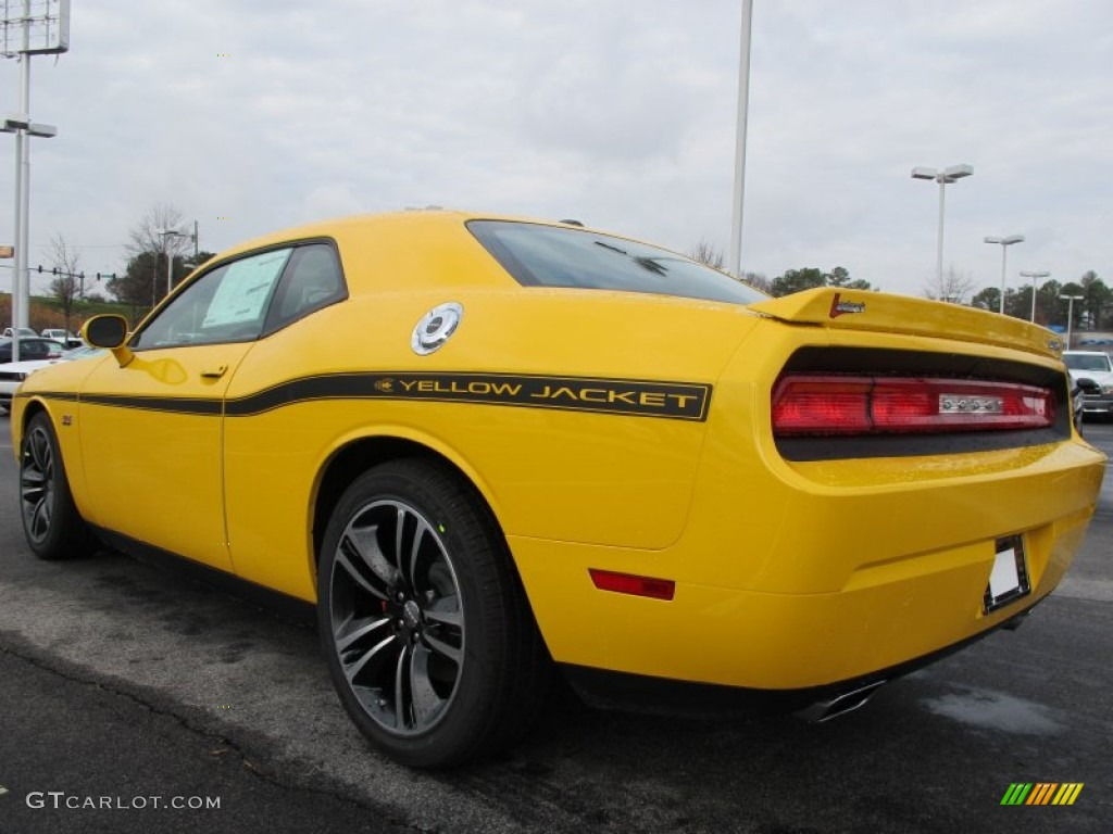 Chrysler 300c additionally Srt8 additionally  besides Search algra 20exercise 20muscle 20guide 20poster 20paper further 1999 Leon. on 2011 challenger yellow jacket