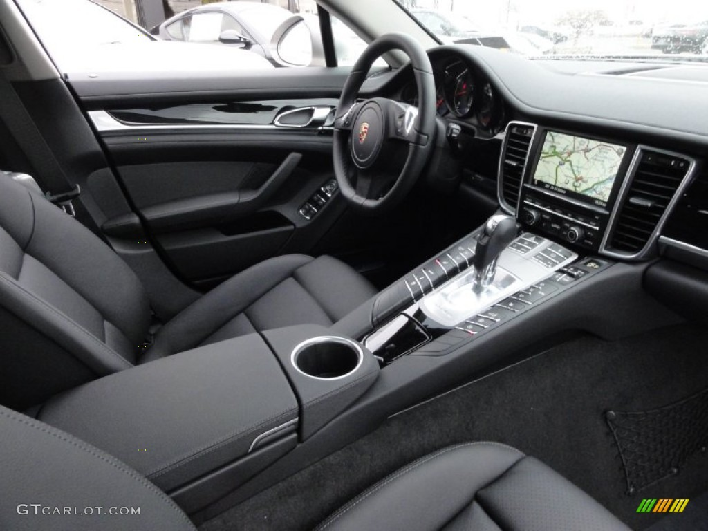 Black Interior 2012 Porsche Panamera 4 Photo 61743654