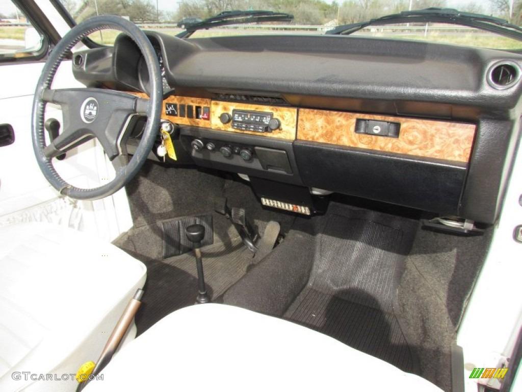 1979 Volkswagen Beetle Convertible White Dashboard Photo #61779200