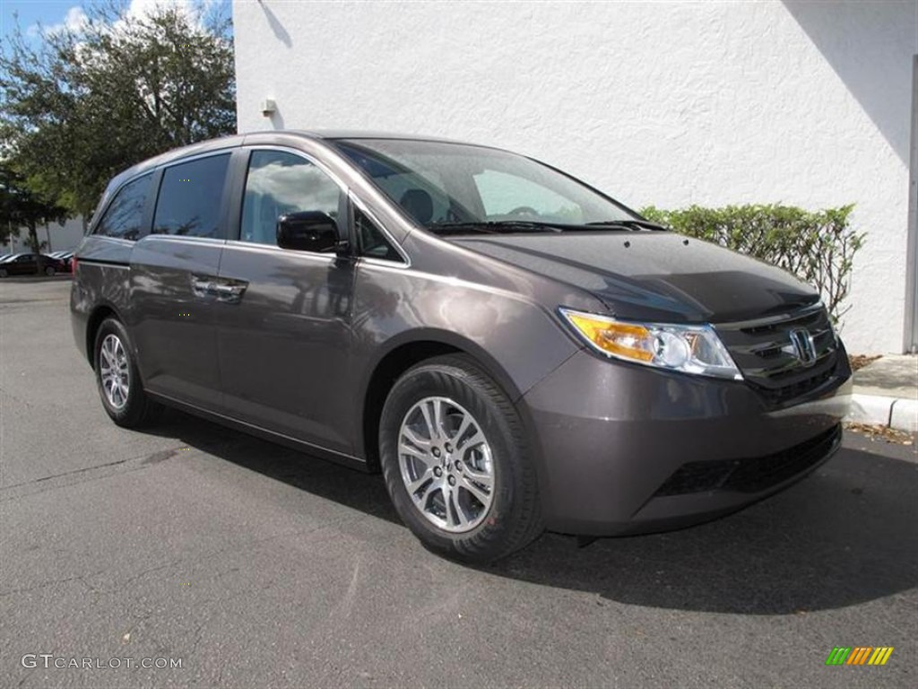 Great Smoky Topaz Metallic Honda Odyssey