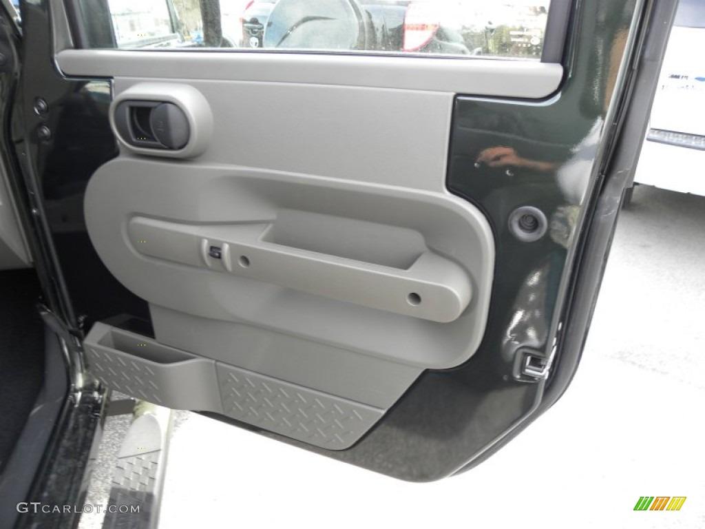 2010 Jeep Wrangler Rubicon 4x4 Door Panel Photos