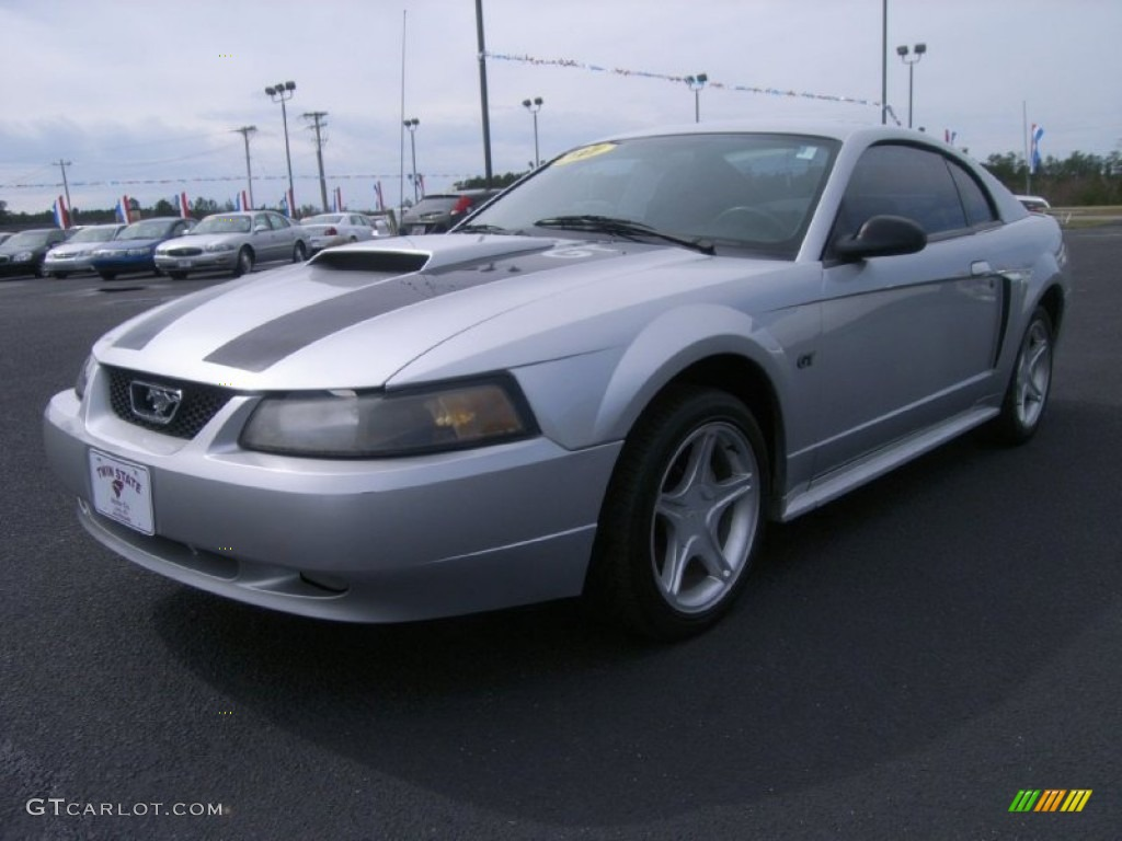 2001 Mustang GT Coupe - Silver Metallic / Medium Graphite photo #1