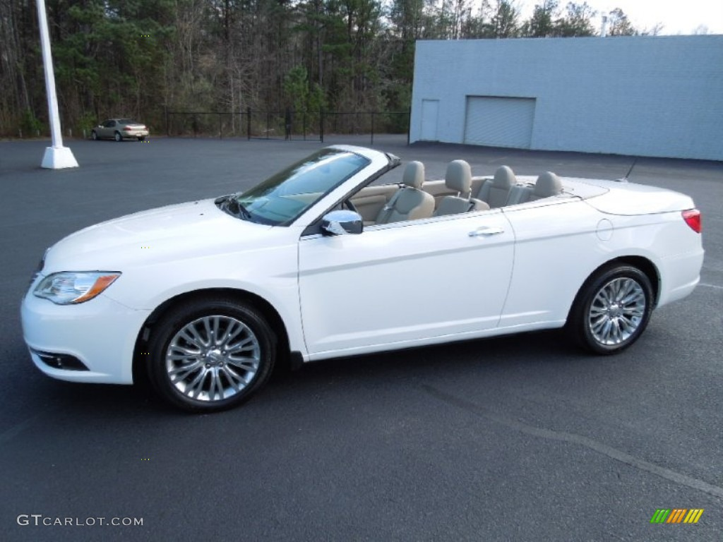 Bright White 2017 Chrysler 200 Limited Hard Top Convertible