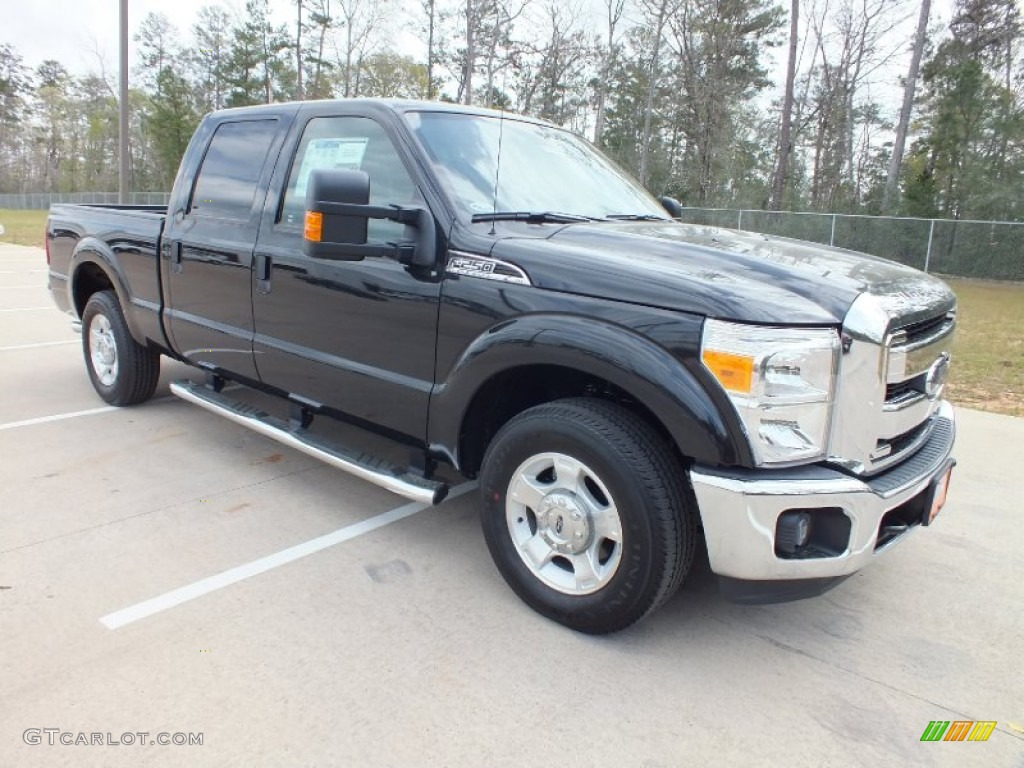 2012 F250 Super Duty XLT Crew Cab - Tuxedo Black Metallic / Steel photo #1