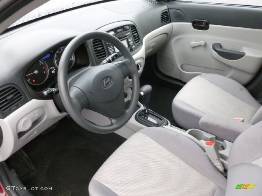 gray interior 2010 hyundai accent gls 4 door photo. Black Bedroom Furniture Sets. Home Design Ideas