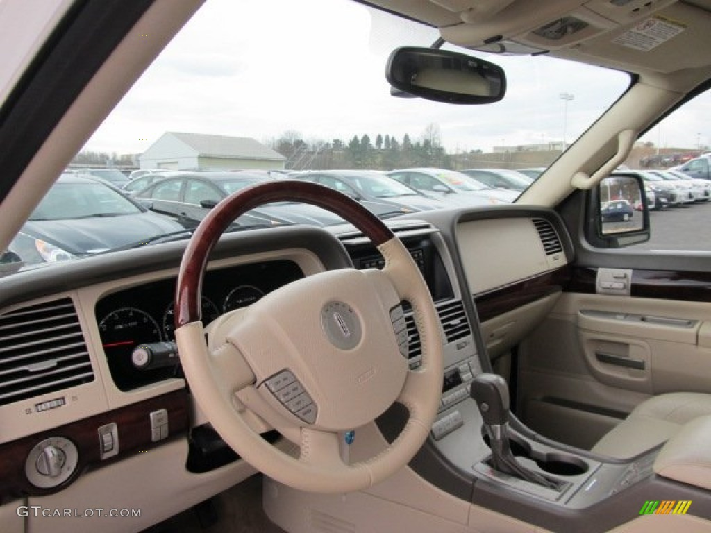 2004 aviator 4vip  2004 Lincoln Aviator Luxury AWD Dashboard Photos