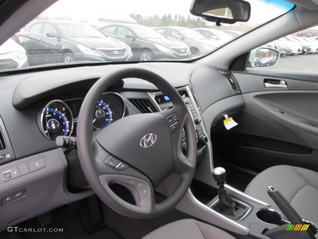 Gray Interior 2012 Hyundai Sonata GLS Photo #62084100