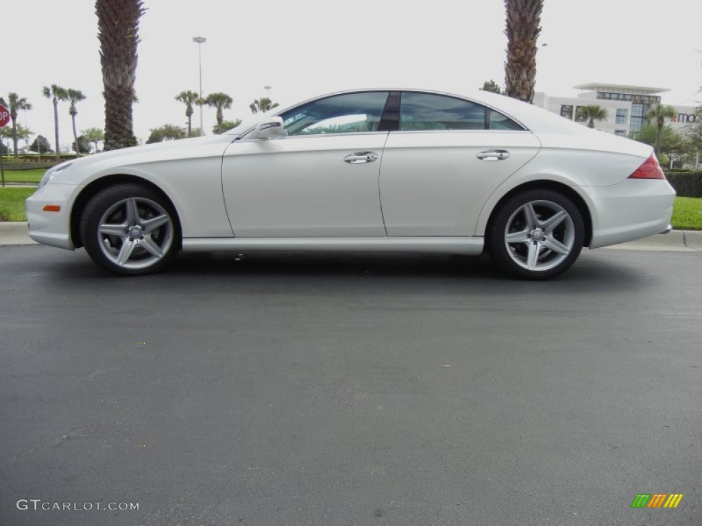 Diamond white metallic 2011 mercedes benz cls 550 exterior for 2011 mercedes benz cls 550