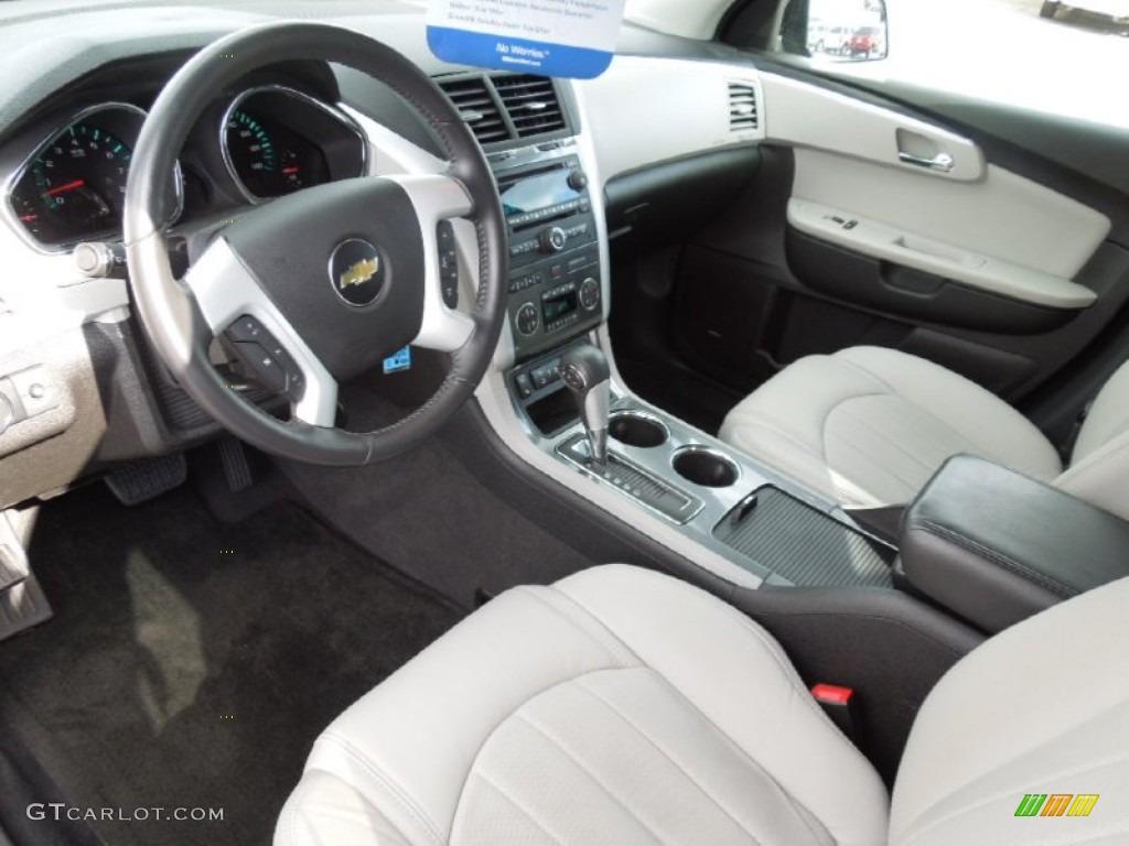 Light Gray Ebony Interior 2011 Chevrolet Traverse Ltz Awd Photo 62246138