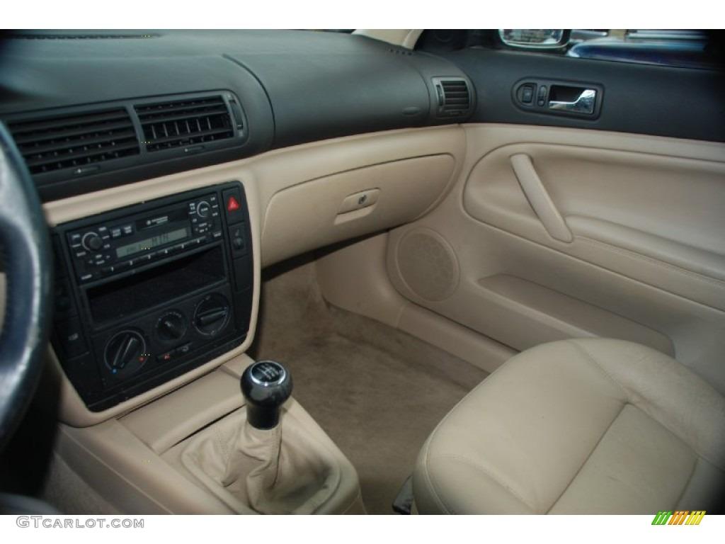 2000 bright green metallic volkswagen passat gls 1 8t sedan 62243641 photo 12 for Volkswagen passat 2000 interior