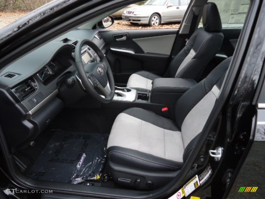 2012 Toyota Camry Se Interior Photo 62298302