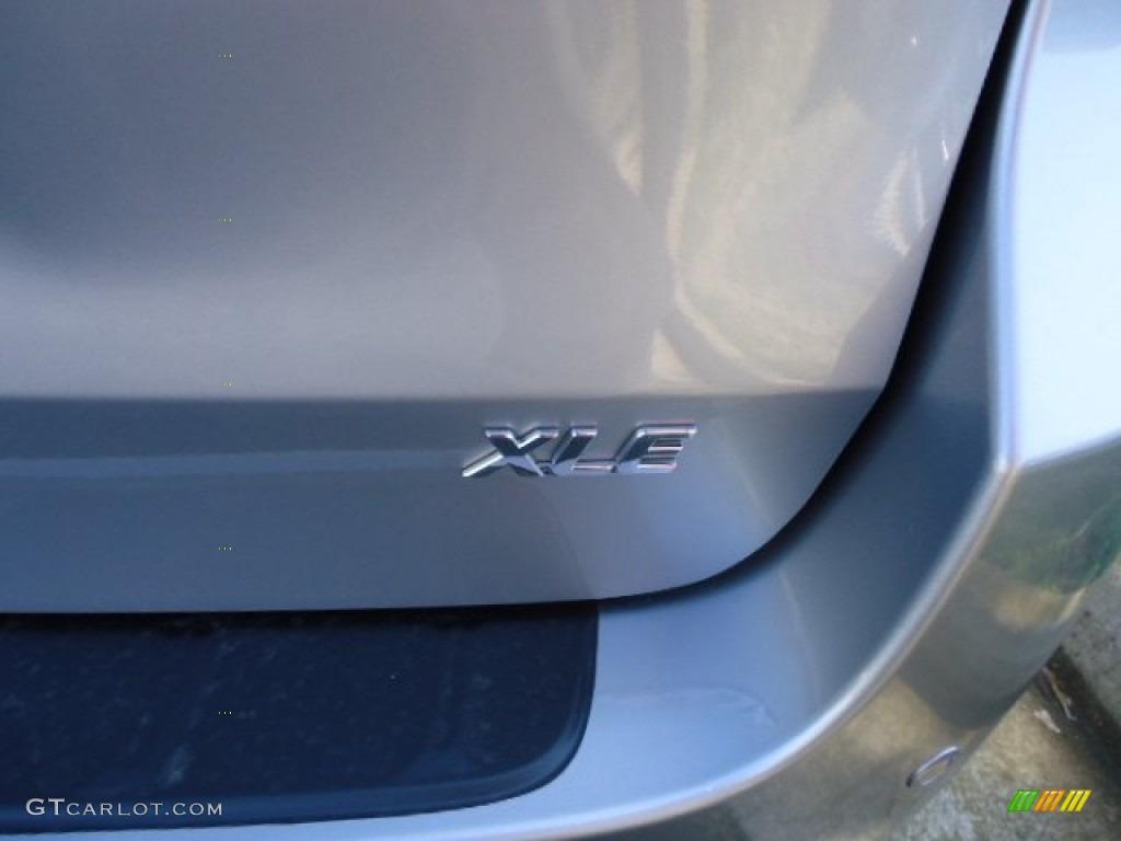 2012 Sienna XLE - Silver Sky Metallic / Light Gray photo #12