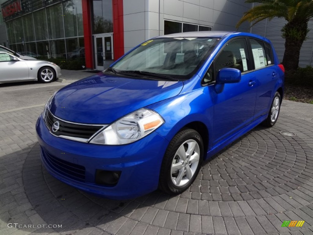 2012 metallic blue nissan versa 1 8 sl hatchback 62243884 photo 6 car color. Black Bedroom Furniture Sets. Home Design Ideas