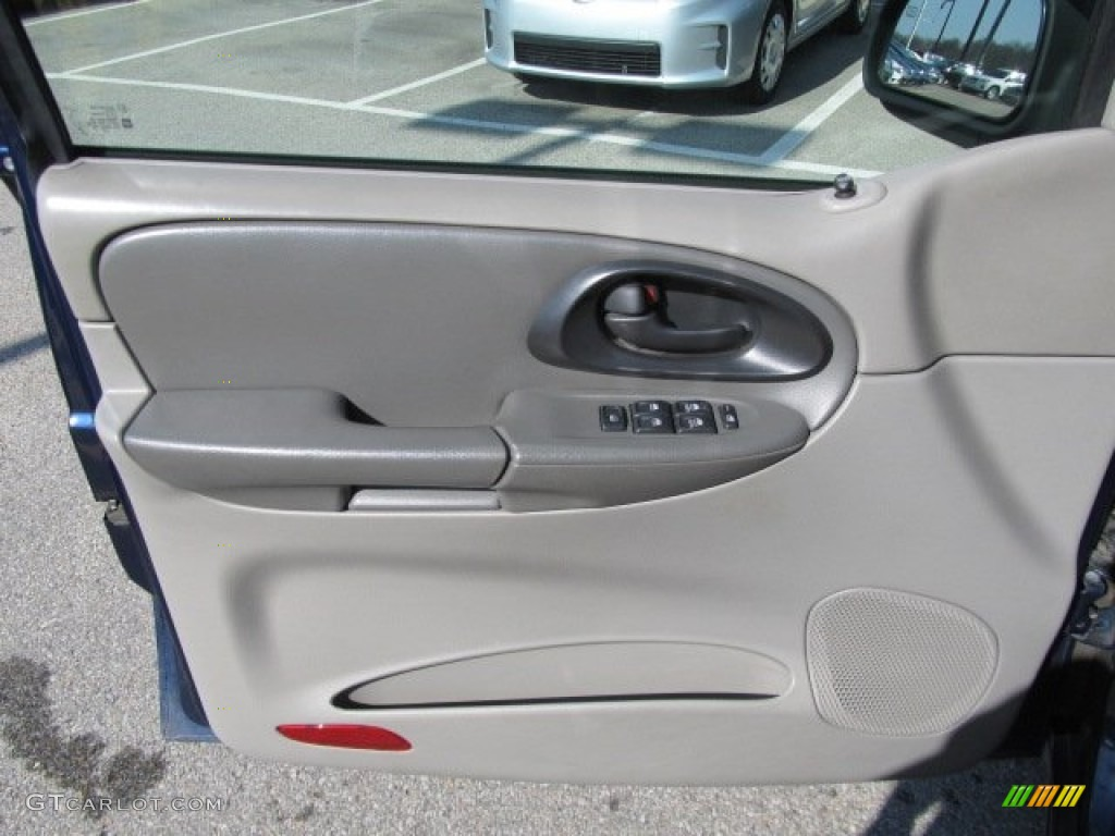 2002 Chevrolet TrailBlazer LS 4x4 Dark Pewter Door Panel Photo #62328247 & 2002 Chevrolet TrailBlazer LS 4x4 Dark Pewter Door Panel Photo ...