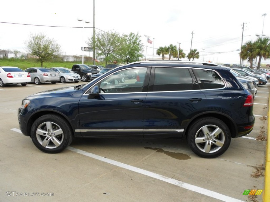 night blue metallic 2012 volkswagen touareg tdi lux. Black Bedroom Furniture Sets. Home Design Ideas