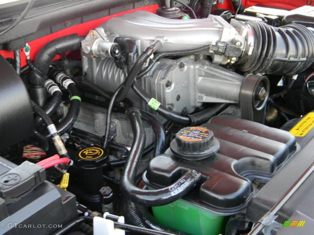 2000 ford f150 svt lightning 5 4 liter svt supercharged sohc 16 valve v8 engine photo 62383212