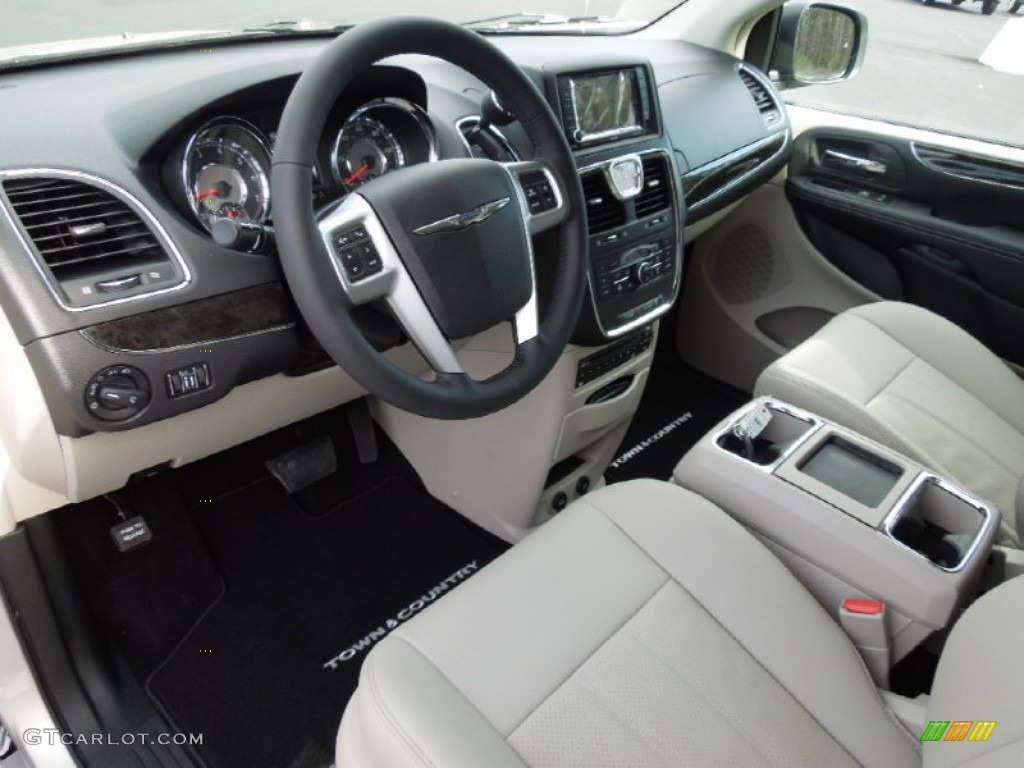Black Light Graystone Interior 2012 Chrysler Town Country Touring L Photo 62496308
