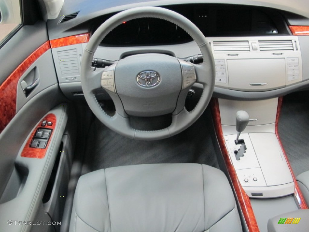 2005 toyota avalon xls light gray dashboard photo 62500044 gtcarlot com gtcarlot com