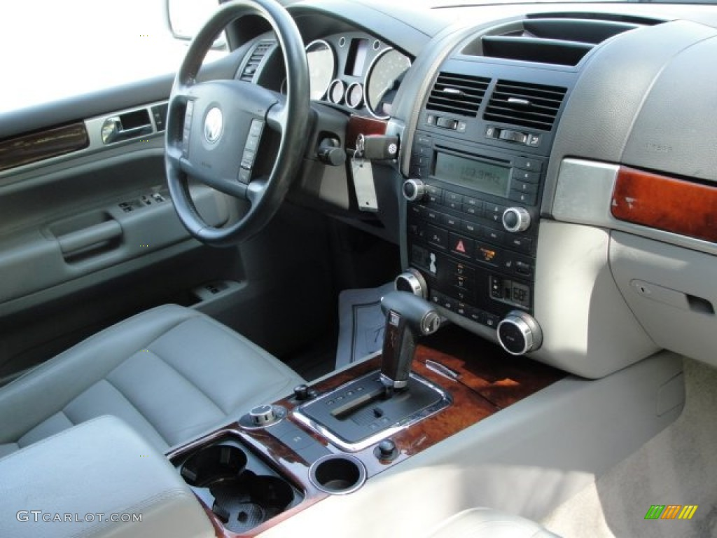 kristal grey interior 2005 volkswagen touareg v6 photo 62508586. Black Bedroom Furniture Sets. Home Design Ideas