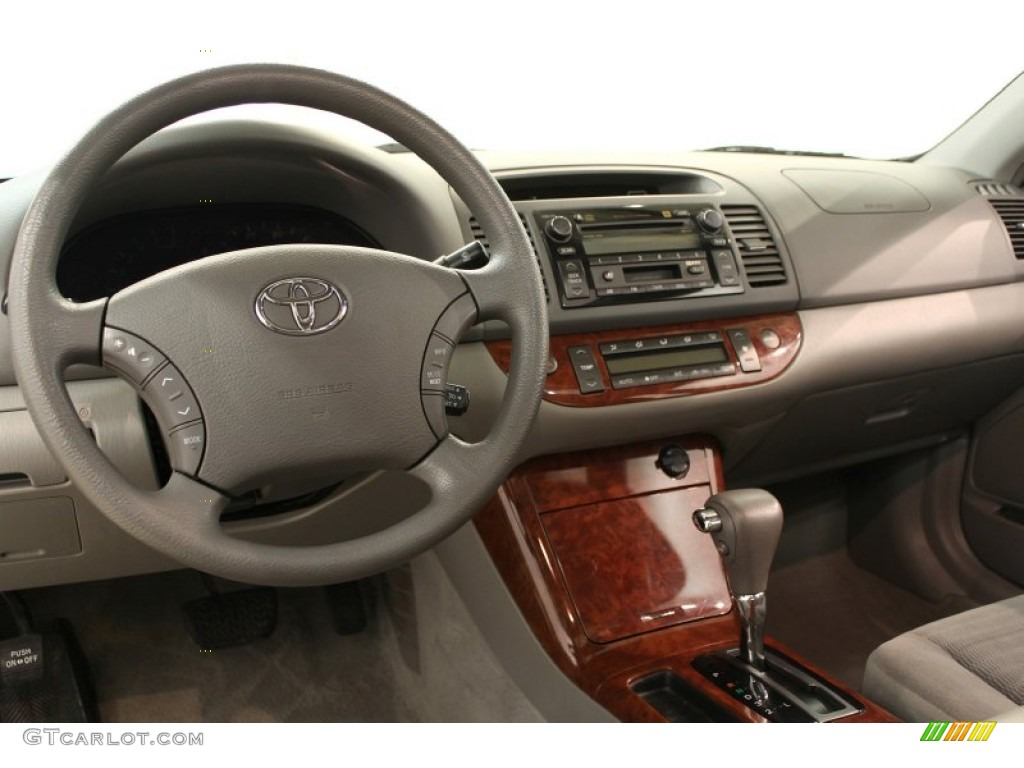 2005 toyota camry xle gray dashboard photo 62520619. Black Bedroom Furniture Sets. Home Design Ideas