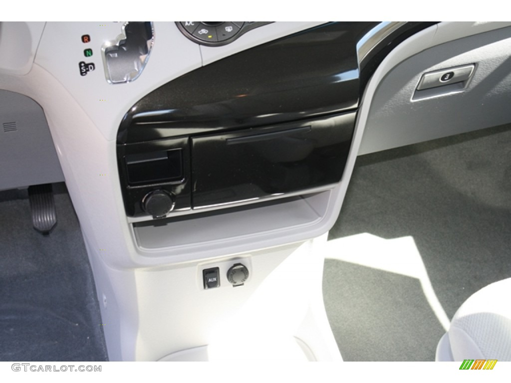 2012 Sienna V6 - Silver Sky Metallic / Light Gray photo #13