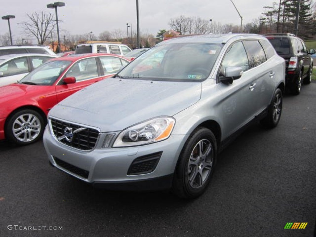 62595892 3 besides D5 AWD SE Lux Nav Wdbqn8z8 additionally 2015 Interior Design Paint Colors furthermore 2010 Volvo Xc60 R Design Debuts together with SE Lux Premium D5 AWDSunroof Keyless Driver Support Pack Heated Front Seats Qbbpvbx8. on volvo xc60 black sapphire