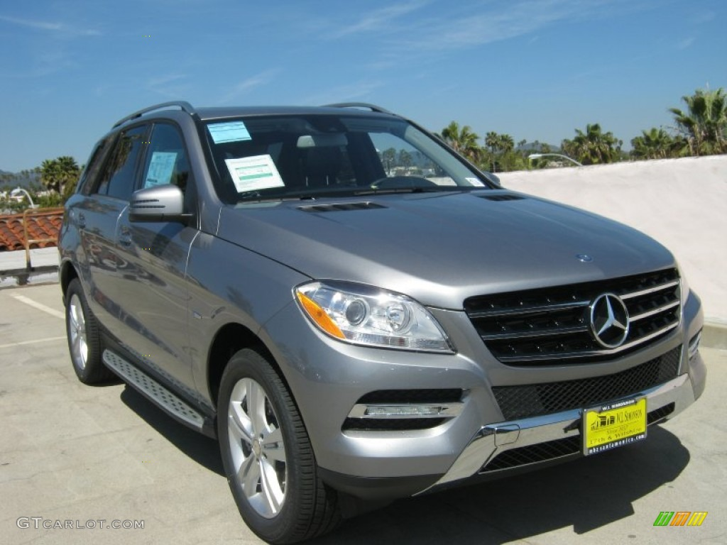 2012 palladium silver metallic mercedes benz ml 350 4matic for Mercedes benz silver