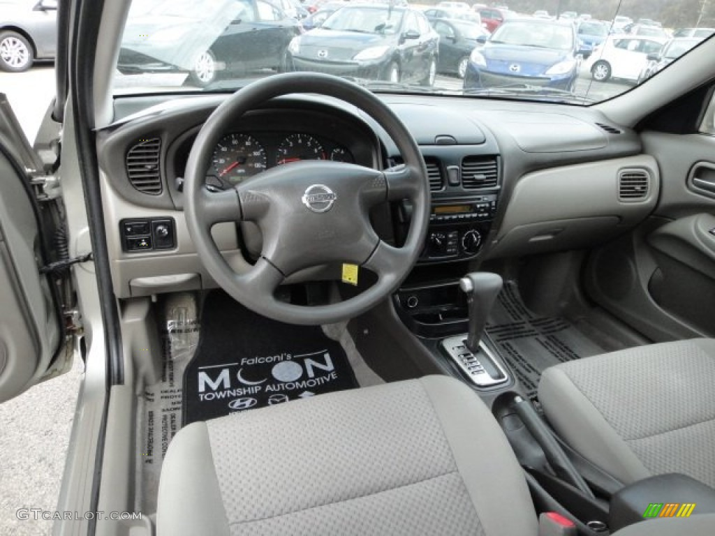 Taupe interior 2004 nissan sentra 18 s photo 63151591 gtcarlot taupe interior 2004 nissan sentra 18 s photo 63151591 vanachro Gallery