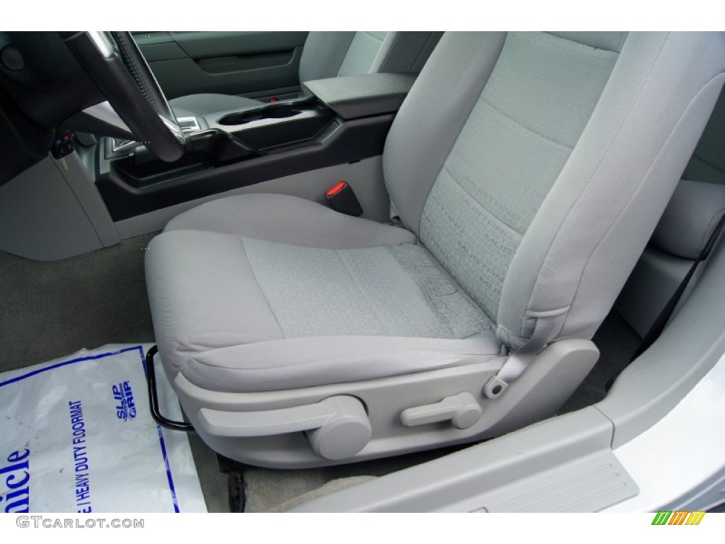 2006 Ford Mustang V6 Deluxe Convertible Front Seat Photos