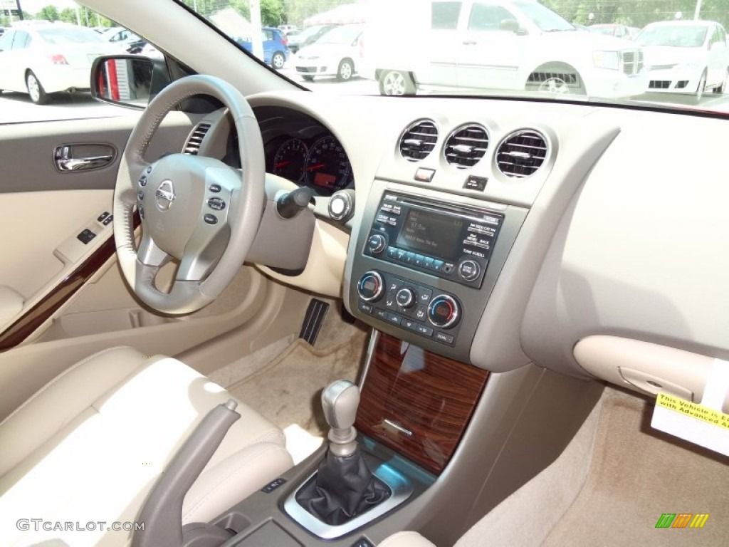 Blonde Interior 2012 Nissan Altima 3 5 Sr Coupe Photo