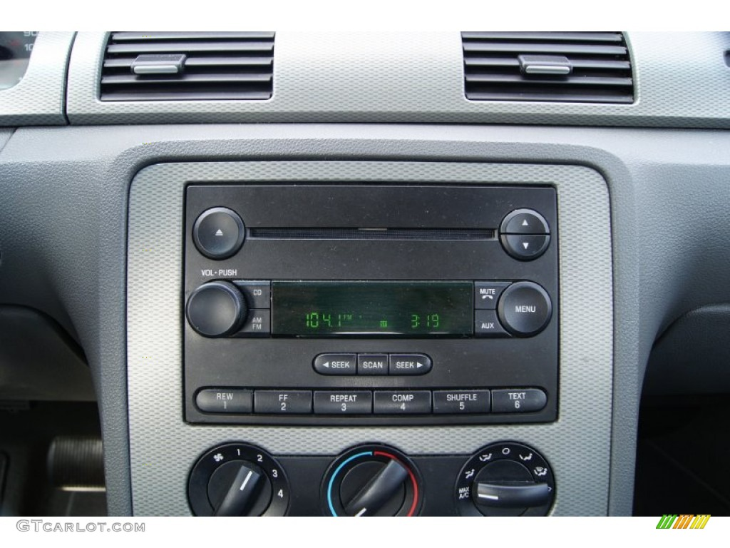 2006 Ford Five Hundred Se Audio System Photo  63246817