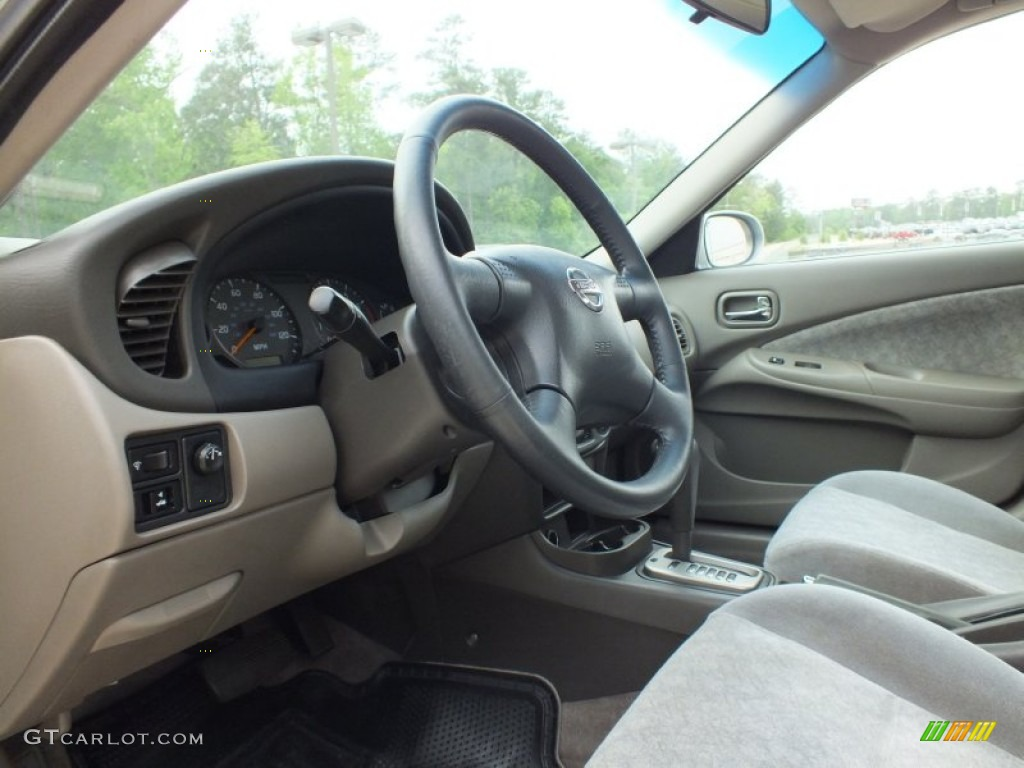 sand beige interior 2003 nissan sentra se r photo. Black Bedroom Furniture Sets. Home Design Ideas