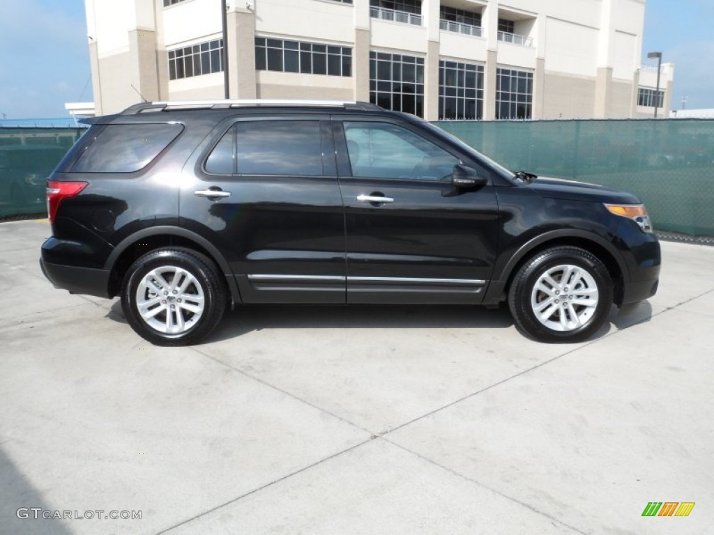 Tuxedo Black Metallic 2011 Ford Explorer Xlt Exterior Photo 63431279