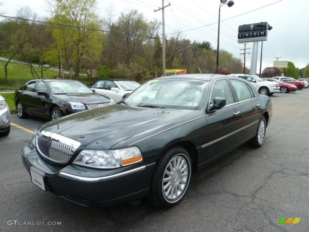 2003 Aspen Green Metallic Lincoln Town Car Executive 63554733