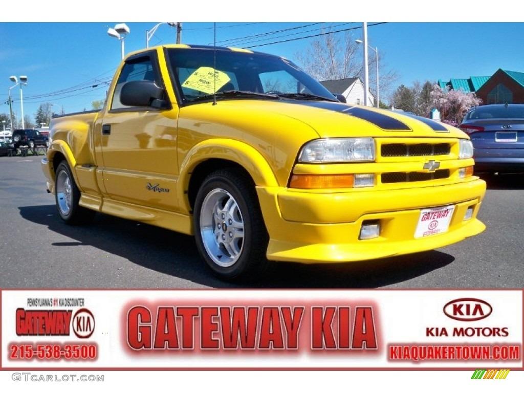 2003 chevrolet s10 xtreme regular cab yellow color graphite