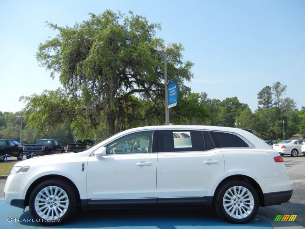 White Platinum Metallic Tri Coat 2011 Lincoln Mkt Fwd