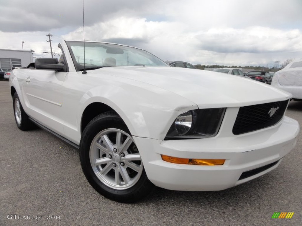 2007 Mustang V6 Deluxe Convertible - Performance White / Medium Parchment photo #1