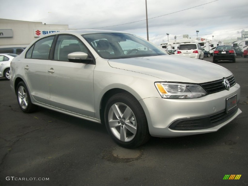 2012 White Gold Metallic Volkswagen Jetta TDI Sedan ...