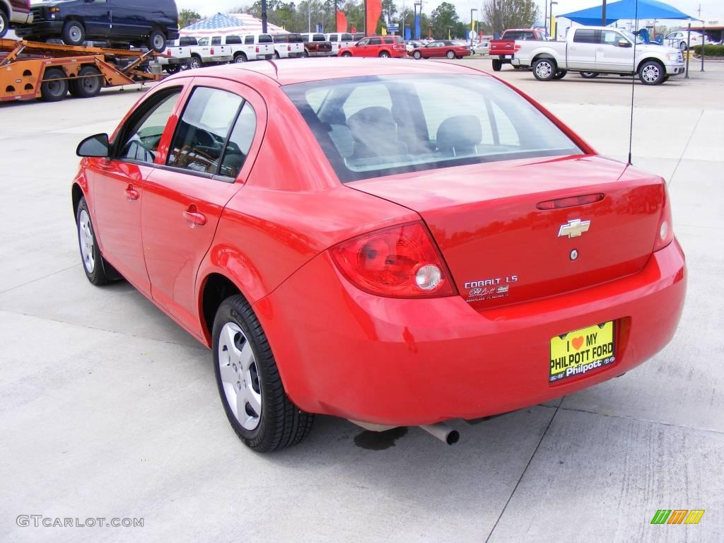 2007 Cobalt LS Sedan - Victory Red / Gray photo #8