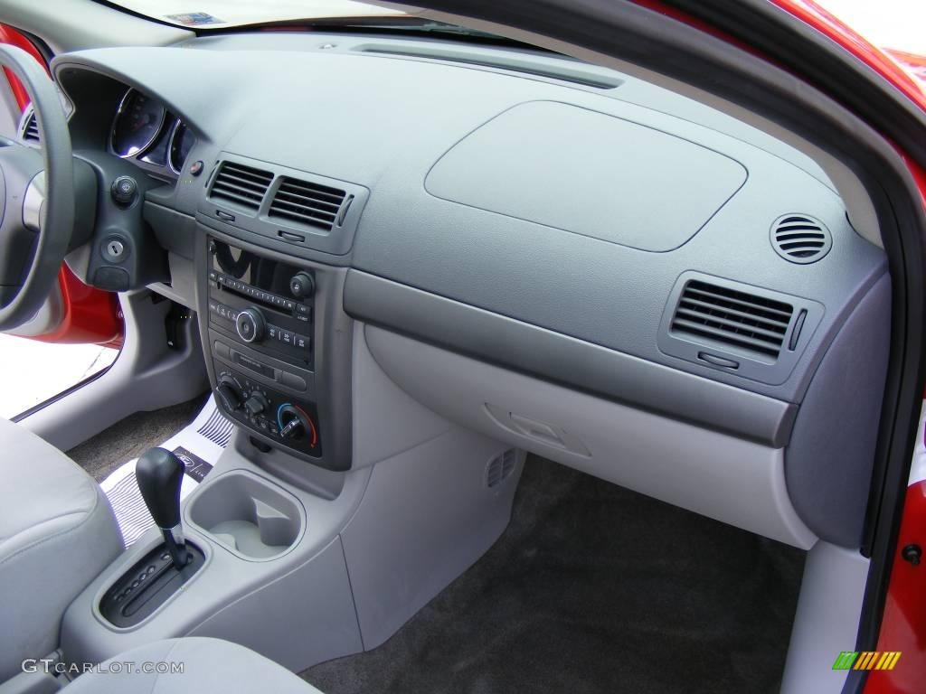 2007 Cobalt LS Sedan - Victory Red / Gray photo #19