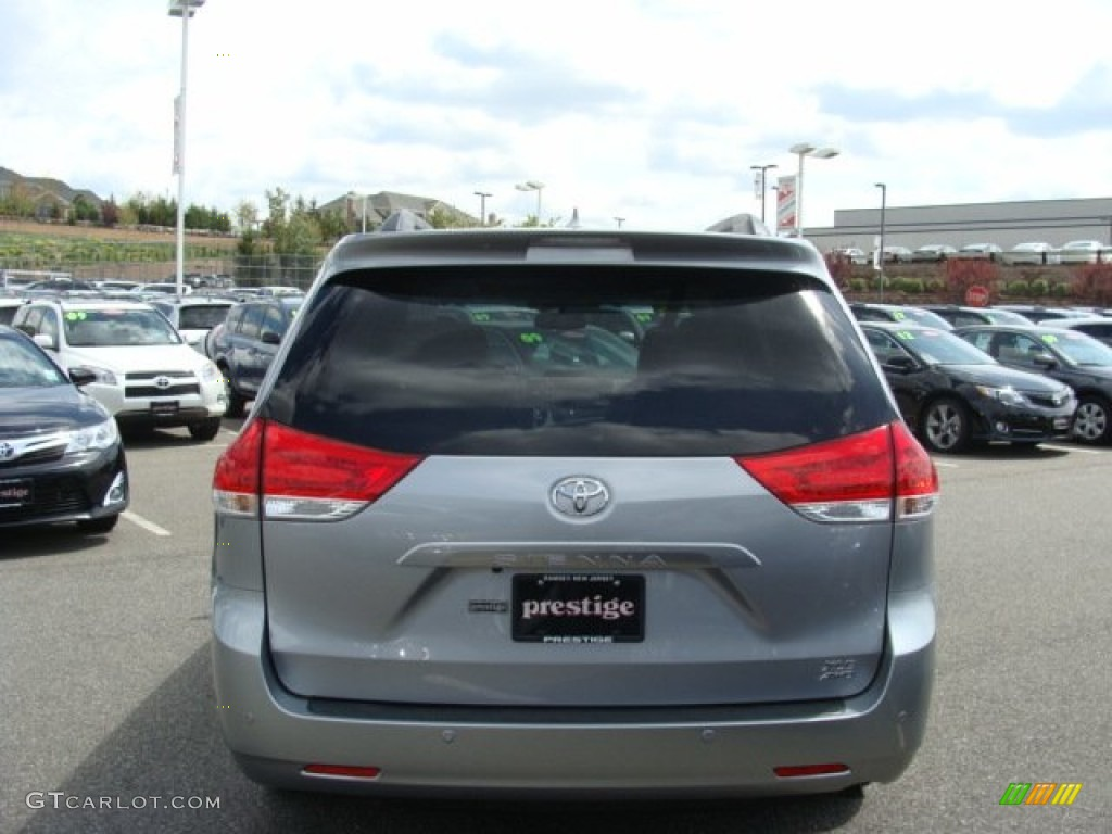 2012 Sienna XLE AWD - Silver Sky Metallic / Light Gray photo #5