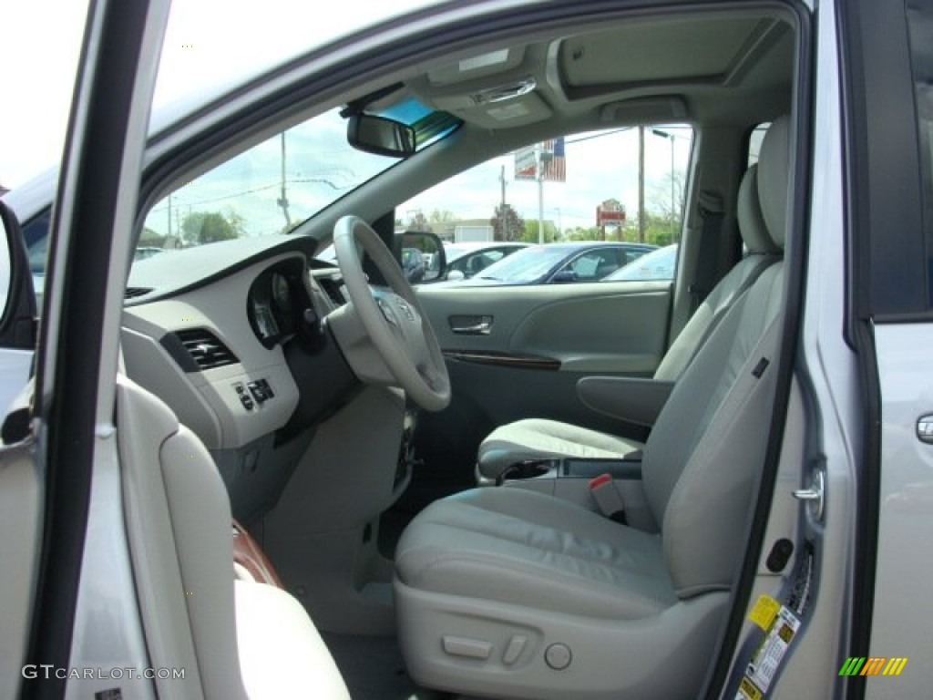 2012 Sienna XLE AWD - Silver Sky Metallic / Light Gray photo #7