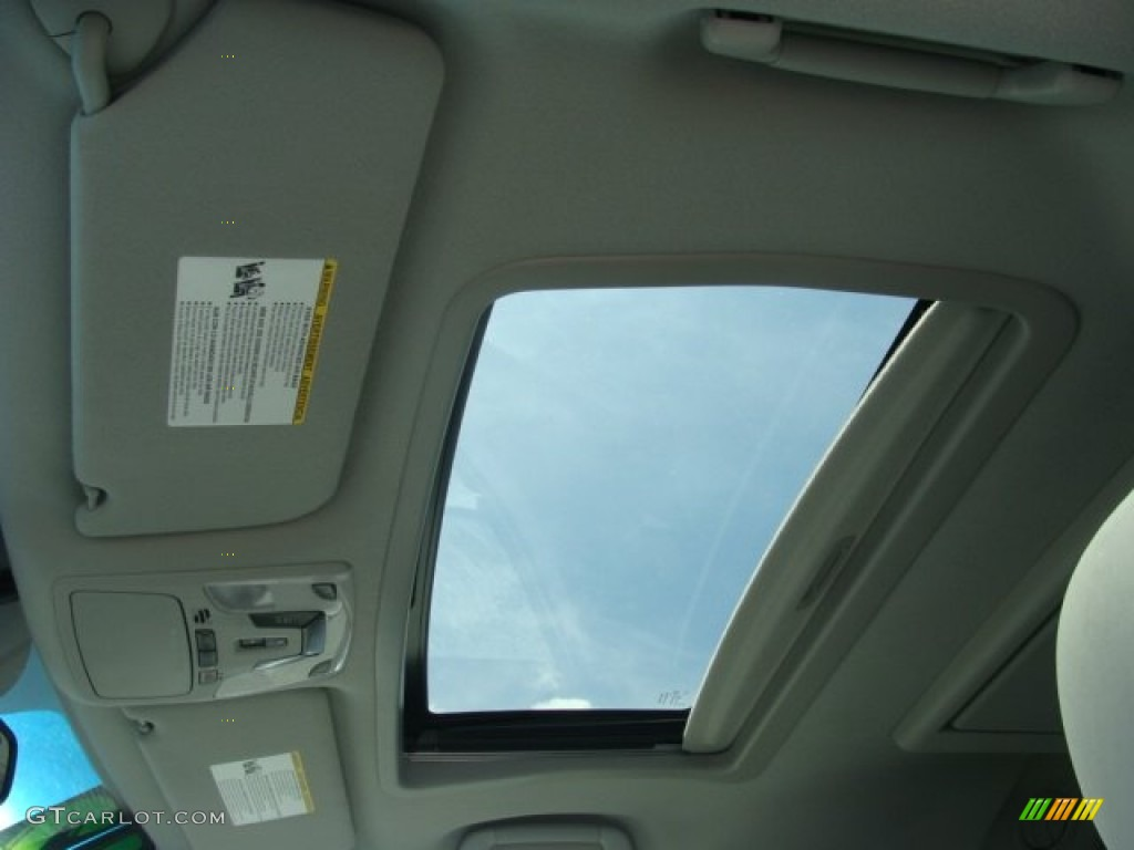 2012 Sienna XLE AWD - Silver Sky Metallic / Light Gray photo #8