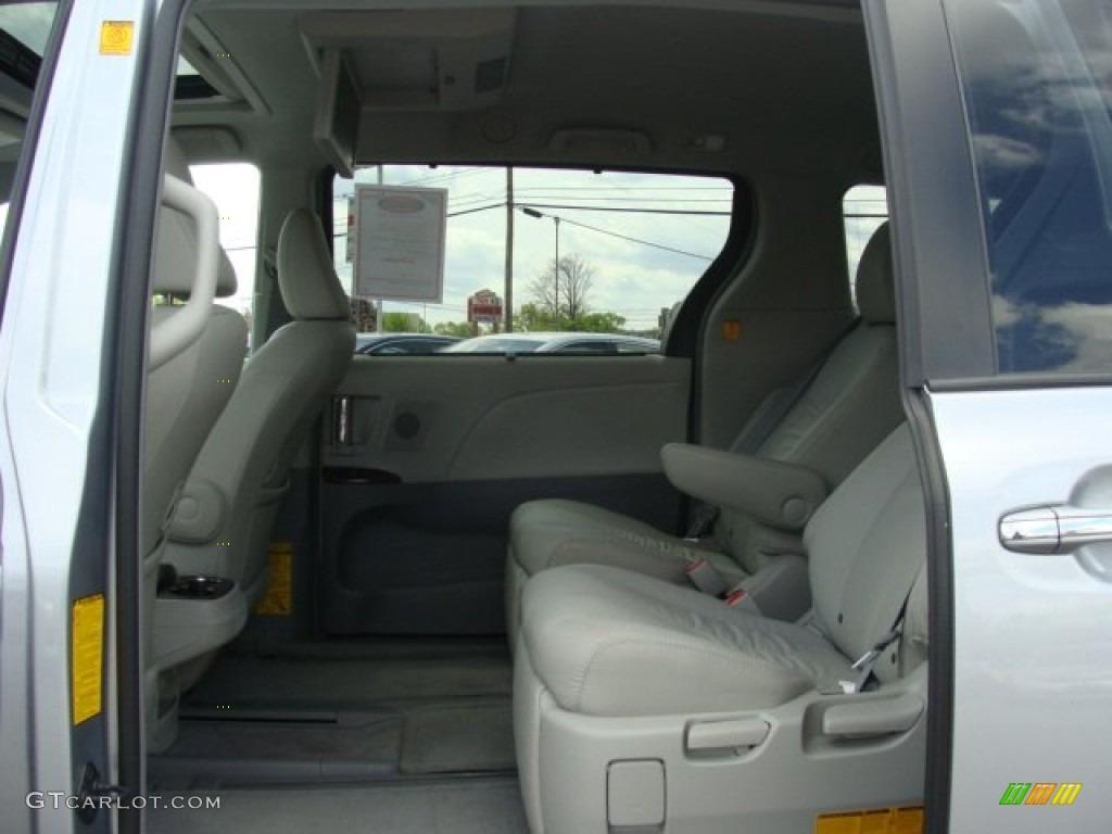 2012 Sienna XLE AWD - Silver Sky Metallic / Light Gray photo #13