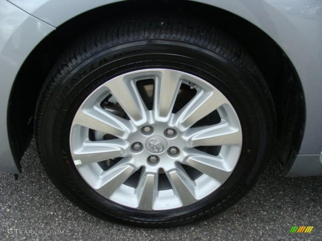2012 Sienna XLE AWD - Silver Sky Metallic / Light Gray photo #14