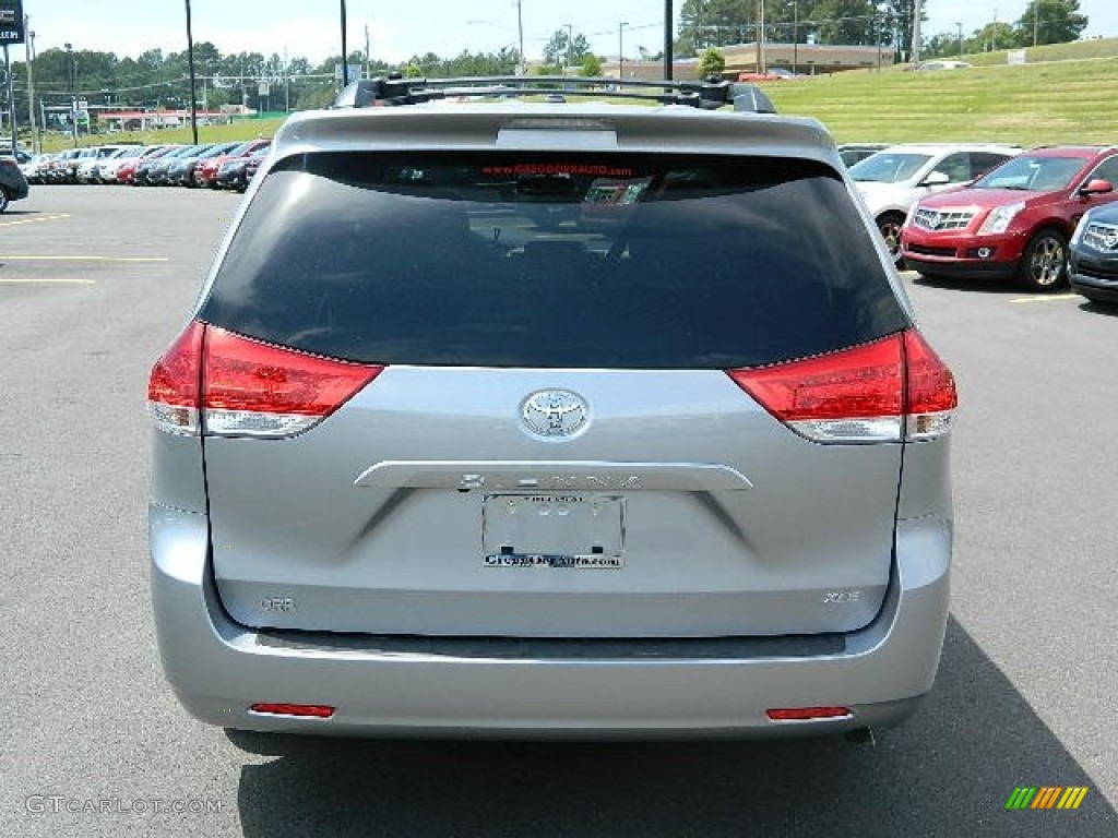 2012 Sienna XLE - Silver Sky Metallic / Light Gray photo #4