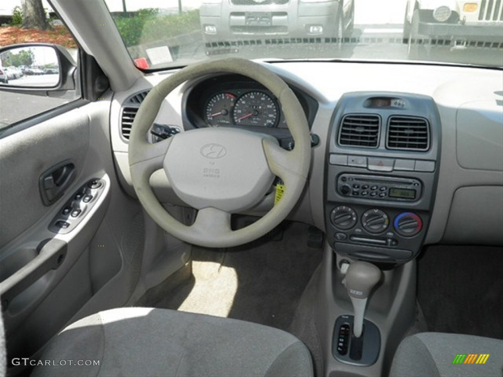 2001 hyundai accent interior