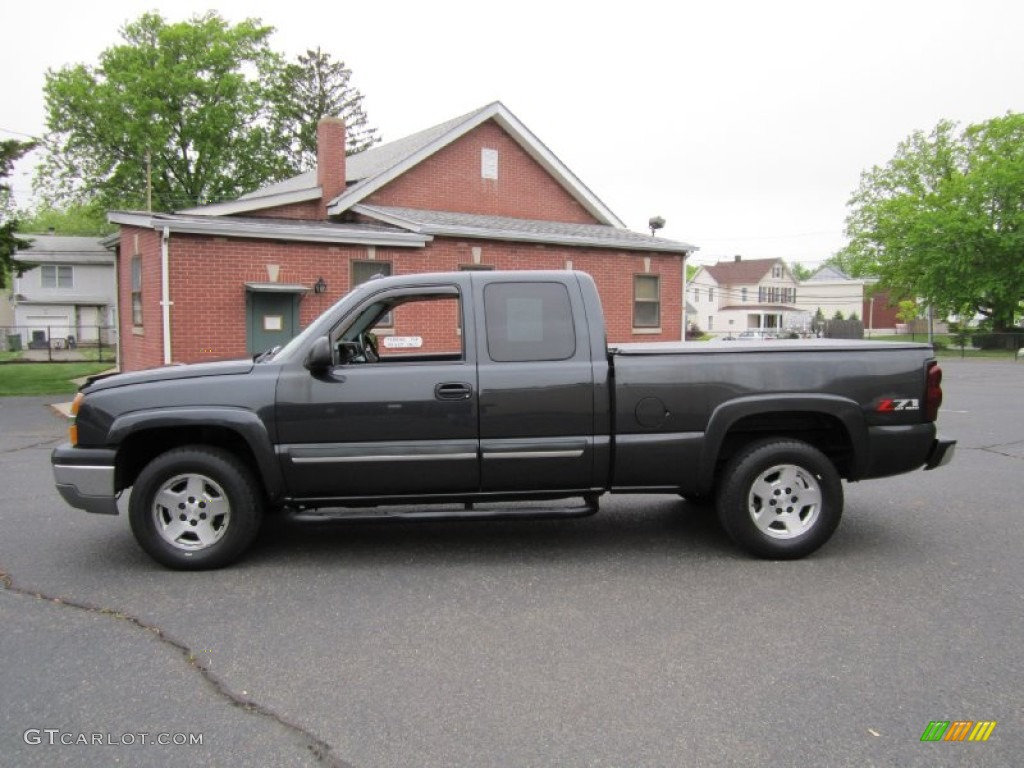 2004 dark gray metallic chevrolet silverado 1500 z71 extended cab 4x4 64664882. Black Bedroom Furniture Sets. Home Design Ideas