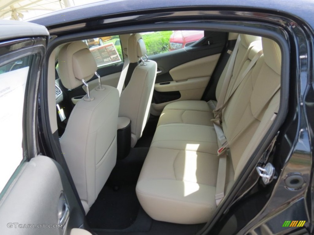 2012 dodge avenger se v6 interior color photos. Black Bedroom Furniture Sets. Home Design Ideas