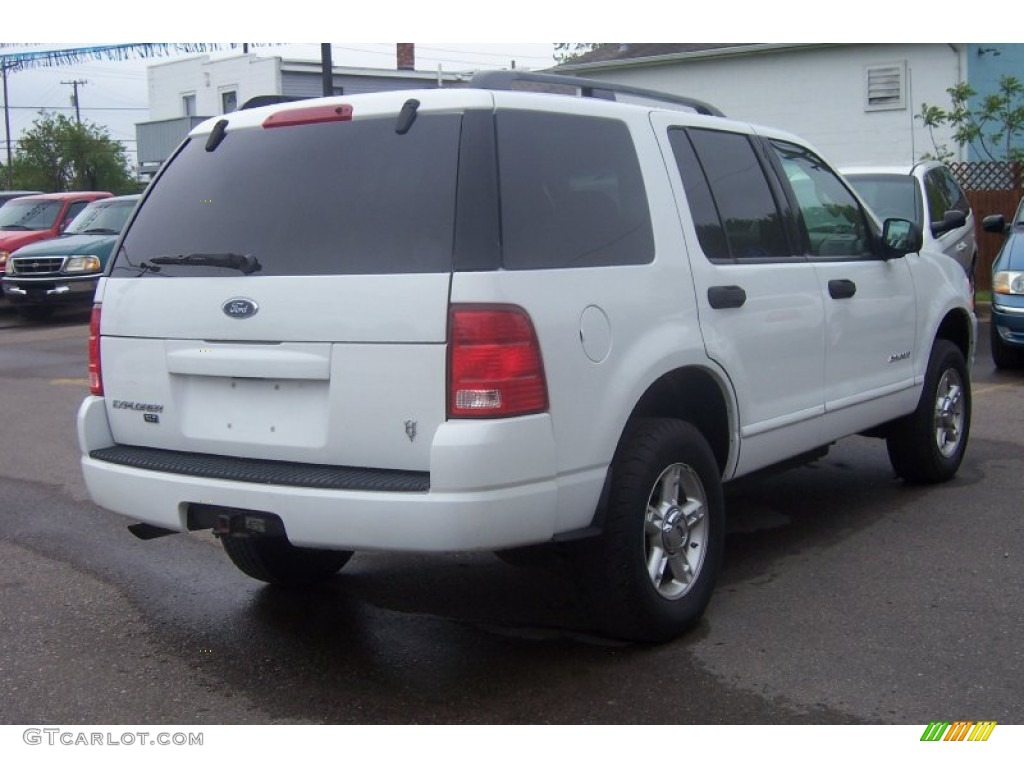 Oxford white 2004 ford explorer xlt exterior photo 64927804